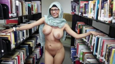 Xx gujarati video - Sexy Arab Hijab And Clothes In A Library - sunporno