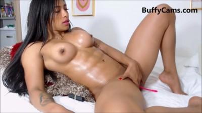 Muscle Latina Masturbate on Cam - Youtuberedtube