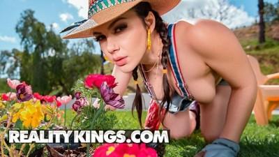 Taxi porn hd - Gardening Hoe - Reality Kings