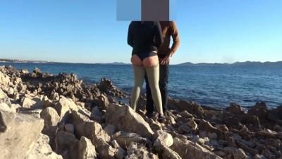 Xnnx beeg - Painful Anal Sex on the Beach
