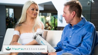 Youjizzxnxx - Soaping Up The Sitter