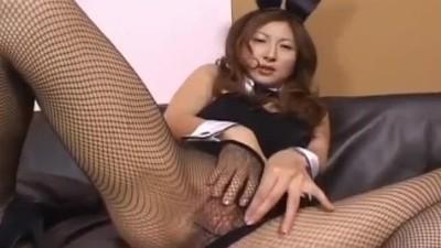 Masturbating While On Break In Her Bunny Suit - Virginyoujizz