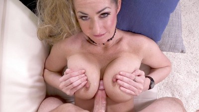Janna Hicks Loves Having Cock Between Her Massive Tits