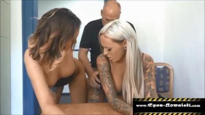 Zwei Freundinnen Abgefickt Blonde