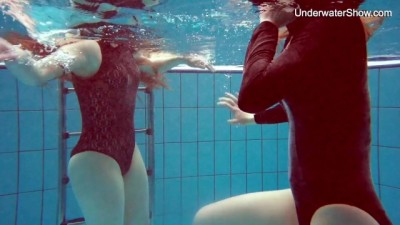 Diana and Simonna Hot Sensual Lesbians Underwater