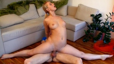 Curvy Blonde Babe Amazing Flexible Sex Gymnastic